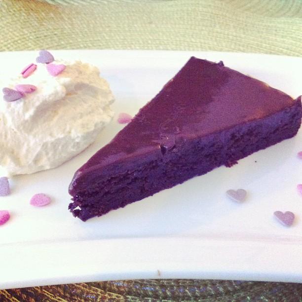 Chocolatecake with cinnamon and cardemom fudge
