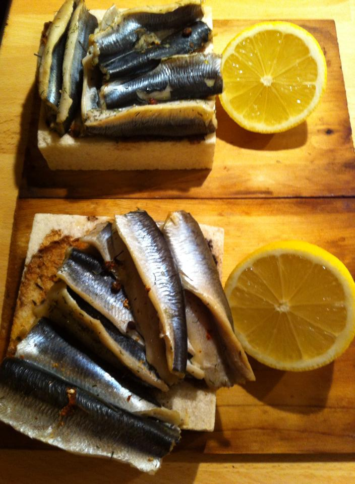 Salt stone baked Herring with Wild Pepper