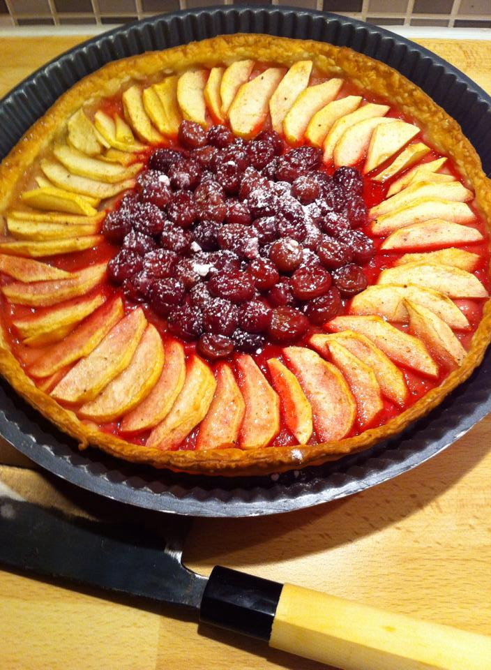 Apple and Gooseberrie pie with Long pepper